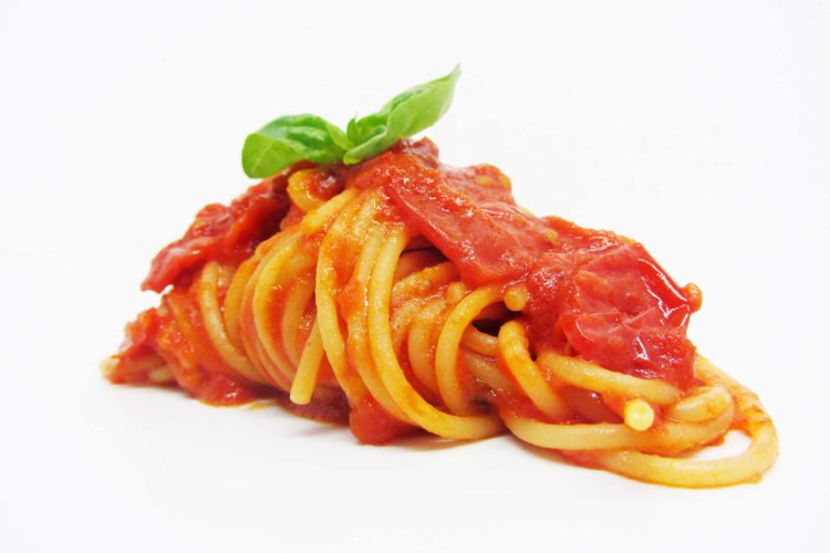 espaguete ao tomate